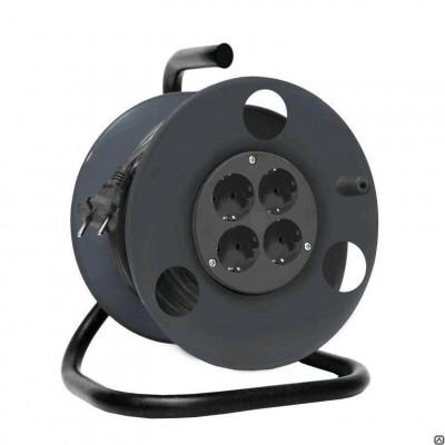 Силовой удлинитель ТМ Союз 4 гнезда, заземление 30м 481S-3603 расположен на пластиковой катушке, которая не позволяет проводу спутываться, обеспечивает компактность хранения и облегчает транспортировку. Провод ПВС 3х1,5 обладает заземляющим кабелем, кото